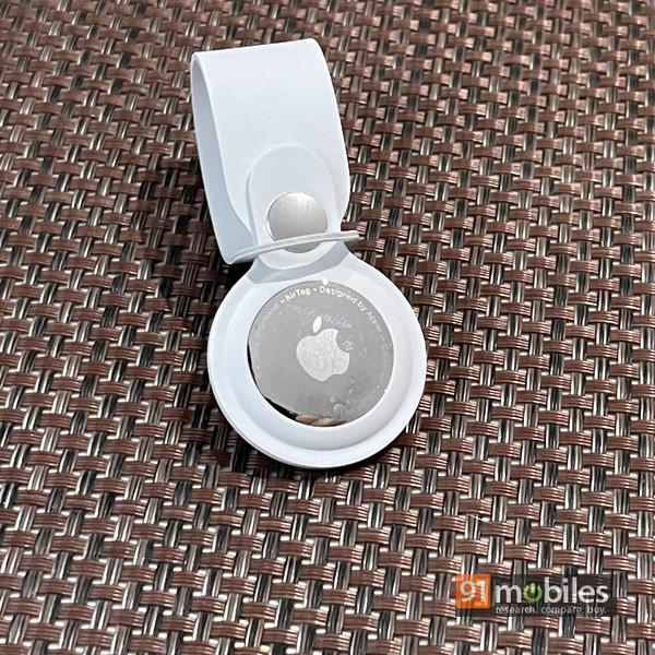 Apple AirTag 03