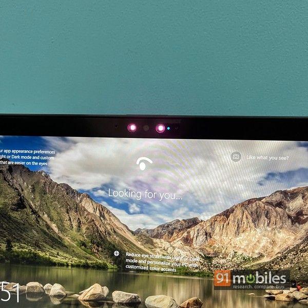 Fujitsu UH X laptop 03