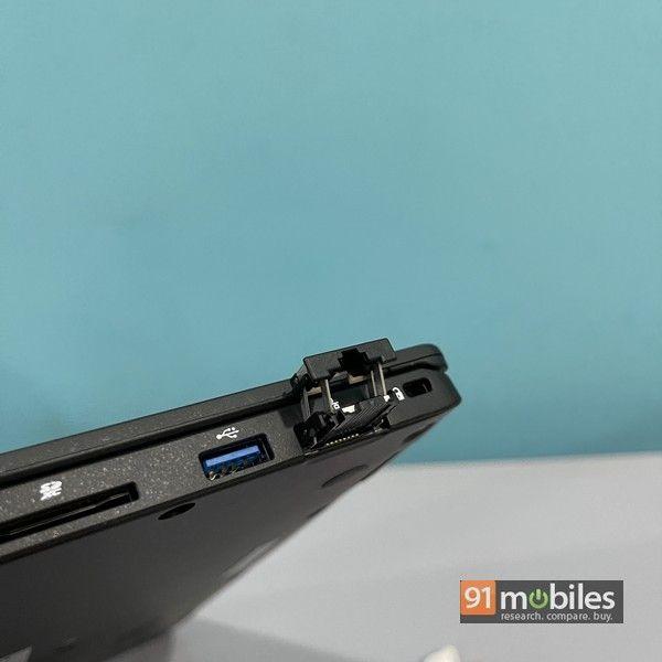 Fujitsu UH X laptop 04