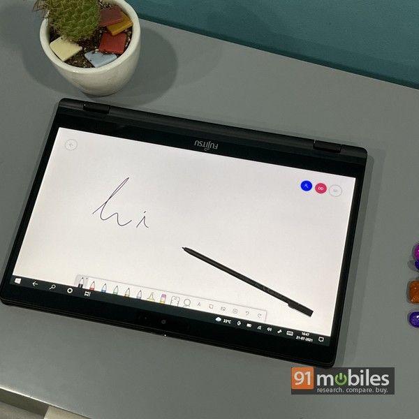 Fujitsu UH X laptop 13
