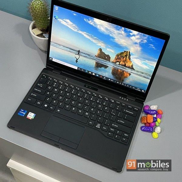 Fujitsu UH X laptop 17